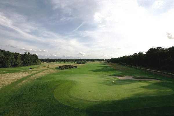 A view of the green from Garden Golf de Chantilly