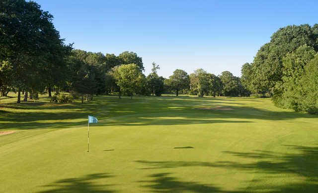 A view of hole #10 at Finchley Golf Club