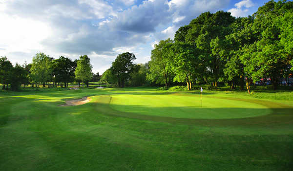 A view of the 9th green at Fulwell Golf Club
