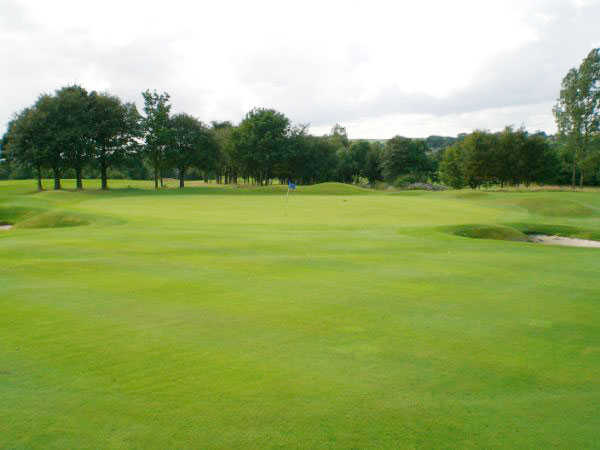A view of the 2nd hole at Crompton & Royton Golf Club