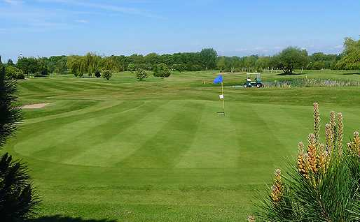 A view of green #16 at Houldsworth Golf Club