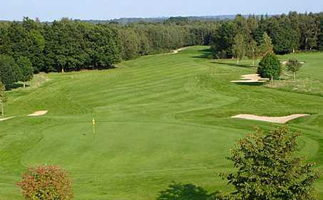 A view of a hole protected by sand traps at Paultons Golf Centre