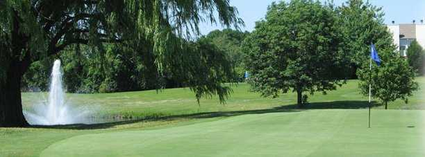 View of a green and fountain at Boughton Ridge Golf Course