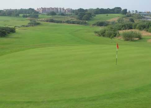 A view of the 11th green at Scarborough South Cliff Golf Club