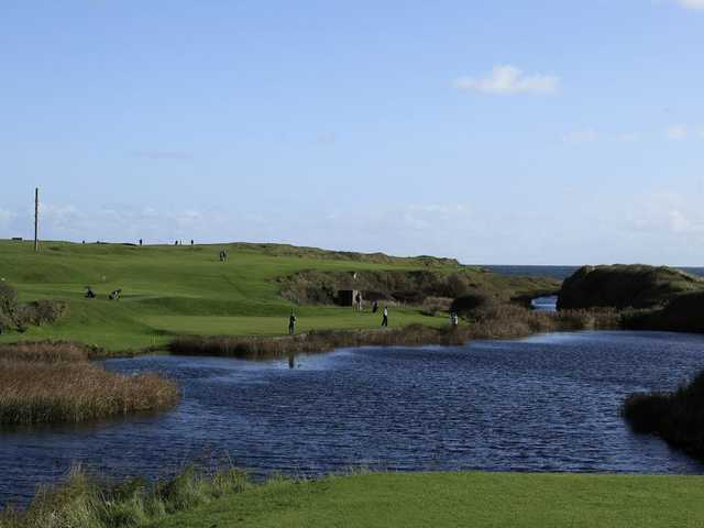 Great surroundings on the 10th at Seahouses GC