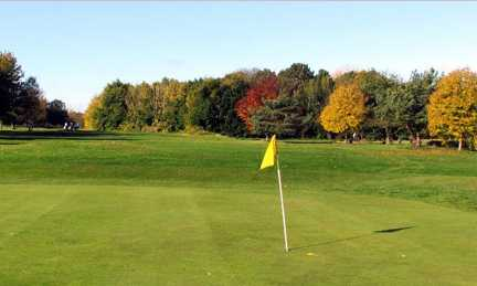 A fall view of a hole at Nottingham City Golf Club