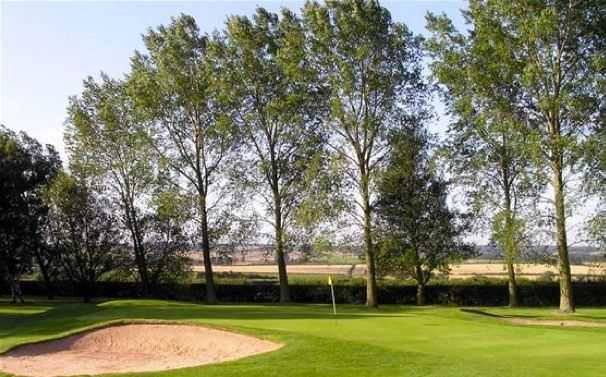 Well-protected 1st green at Radcliffe-on-Trent Golf Club