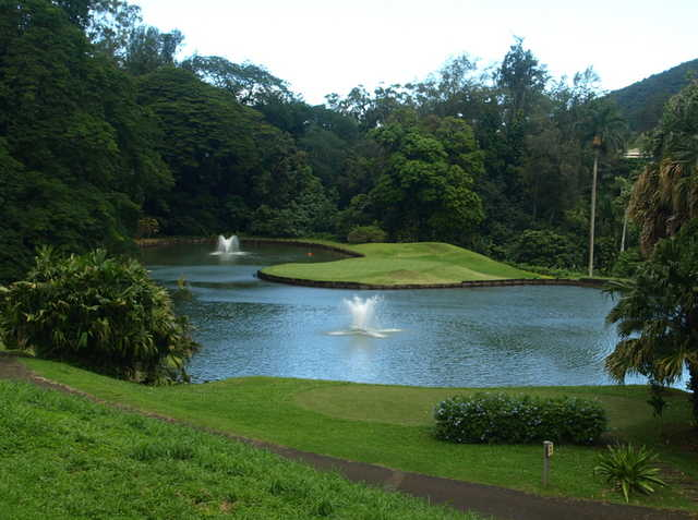 The par-3 11th is considered one of Royal Hawaiian's signature holes