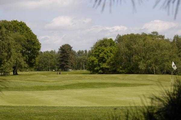 A view of green #5 at Drayton Park Golf Club
