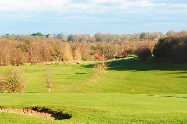 A sunny view from Oaks Sports Centre Golf Club
