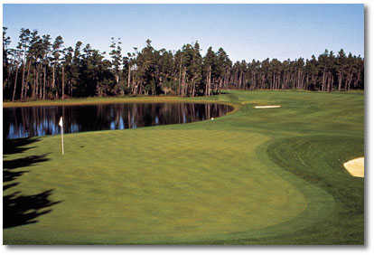 Florence Golf Links #4: A straight tee shot is key to avoid trees to the right. Big hitters can find the hidden bunkers on the right. A tough approach shot to a green that is guarded by the lake to the right and a bunker left.