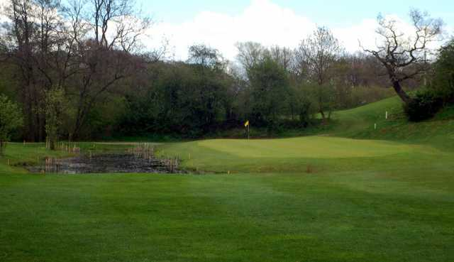 Water to avoid at Atherstone Golf Club
