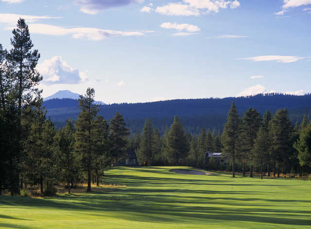 Hole #7 is a good driving hole. One of the most scenic holes on the golf course with an excellent view of Mt. Bachelor. Beware of the very deep bunkers protecting each side of the green.