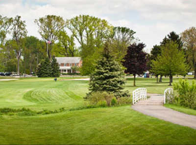 A view of a fairway and the clubhouse in background at Wesburn Golf & Country Club