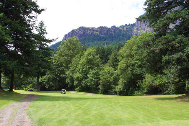 A view of a fairway at Beacon Rock Golf