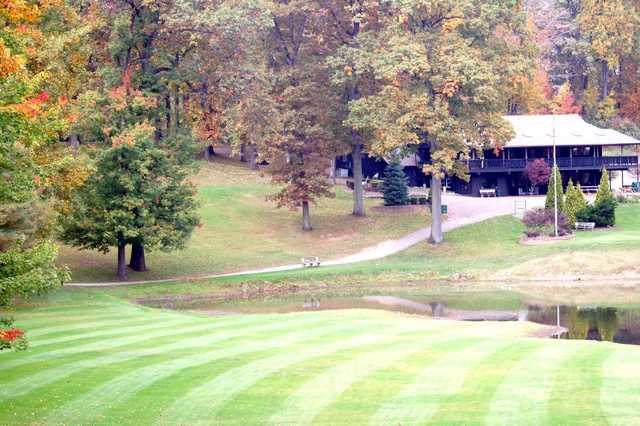 A view of the clubhouse at Paradise Lake Country Club