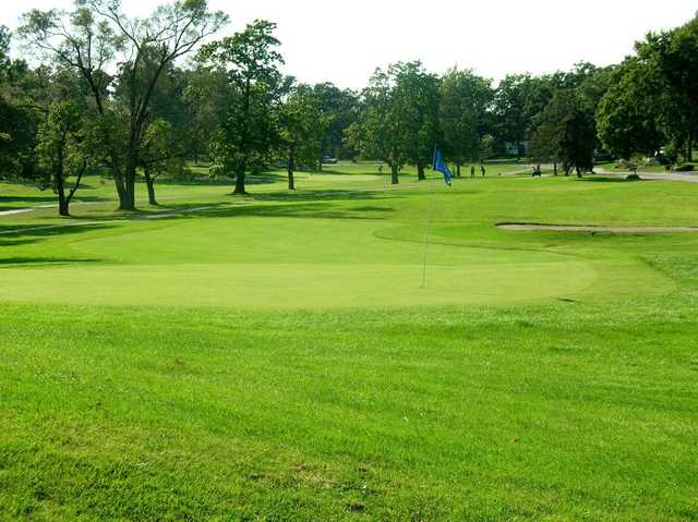 A view of green #6 at Lincoln Oaks Golf Course
