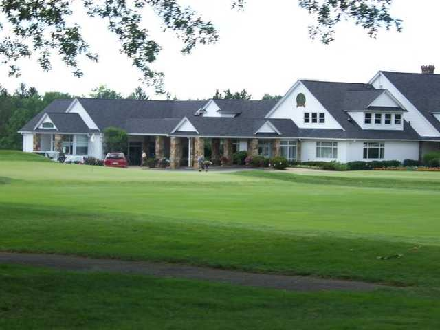 A view of the clubhouse at Butler Country Club