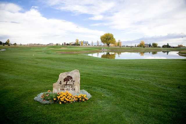 A view of hole #4 sign at Highland Meadows Golf Course