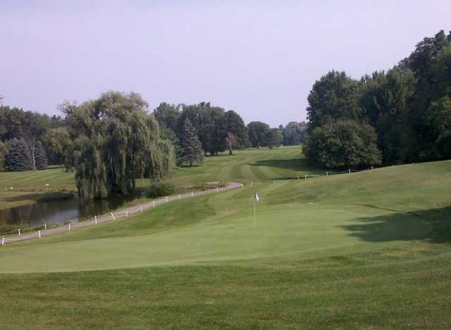 A view of a green at Chisholm Hills Golf Club