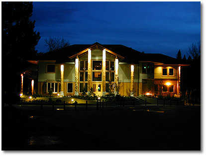 The Lewis River clubhouse is well equipped and staffed by PGA professionals. The adjoining restaurant provides a variety of beverages and food for small to large groups