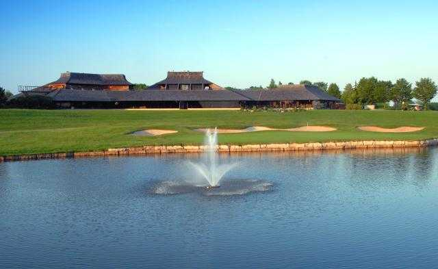 View of a green and fountain at Glen Abbey Golf Club