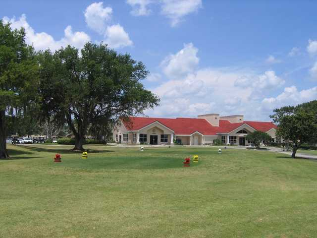 A view of the clubhouse at Wedgefield Golf & Country Club