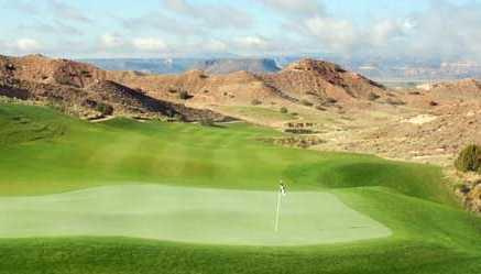 A view of the 16th green at Black Mesa Golf Club