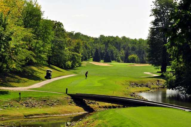 A view of the 6th tee at Sawmill Creek Golf Course