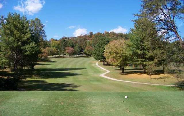 A view from the white tee at Chatuge Shores Golf Course
