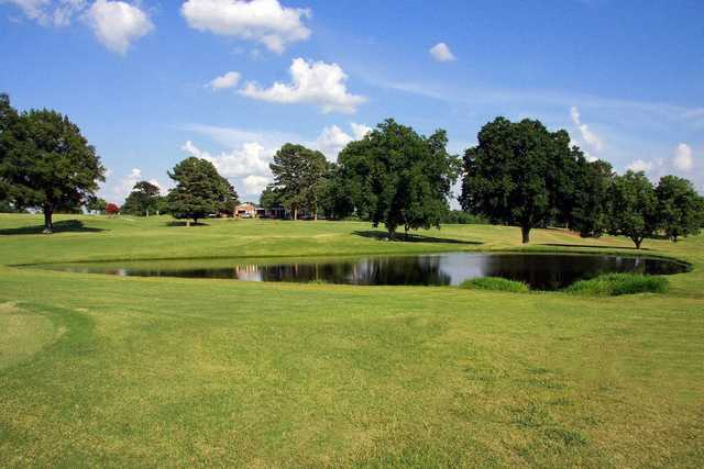 View of the 9th hole at Pinecrest Golf Course