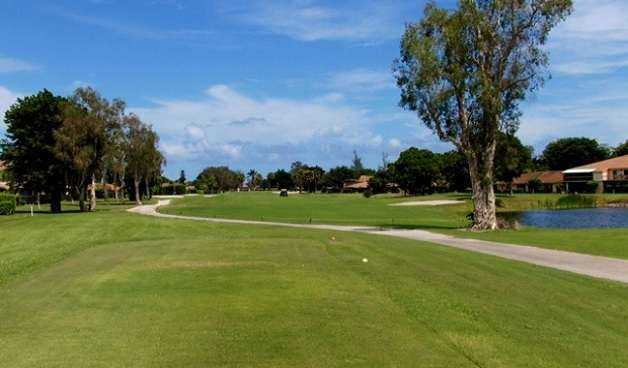 A view from a tee at Villa Del Ray Golf Club