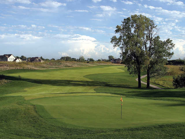 A view of the 9th green at Falcon Lakes Golf Course