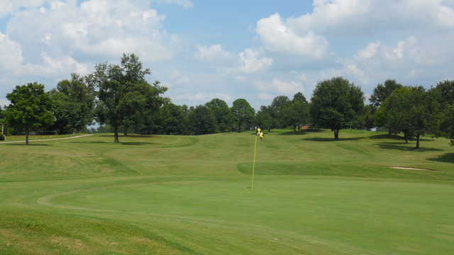 A view of the 9th green at Willow Creek Golf Course