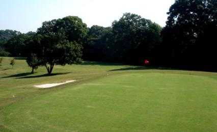 A view of a hole at Candler Park Golf Course (AmericanGolf)