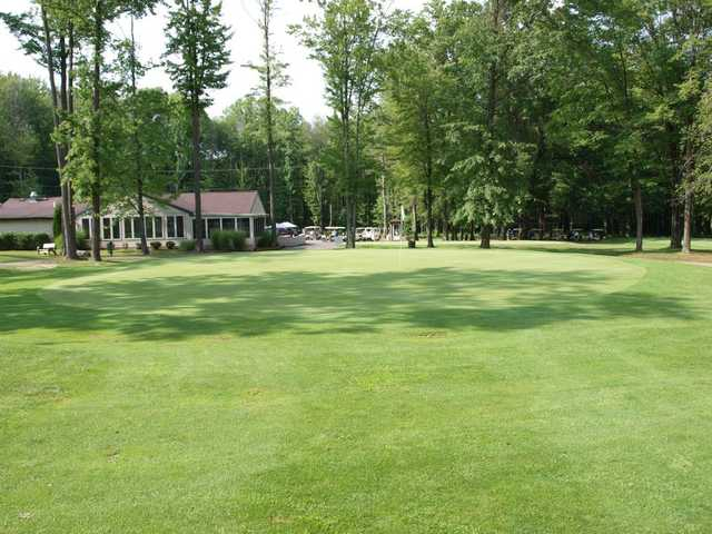 A view of the 18th green at Bedford Trails Golf Course