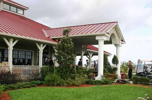 Royal St. Cloud Golf Links - Clubhouse entrance