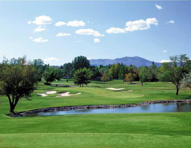 A view of the par-3 hole #6 at LakeRidge Golf Course