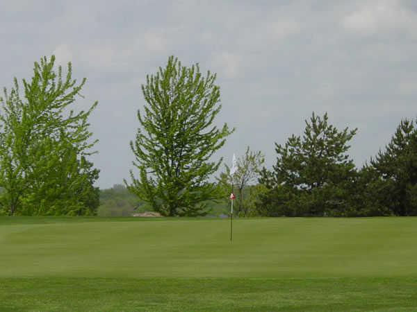 A view of the 7th green at Nickol Knoll Golf Club