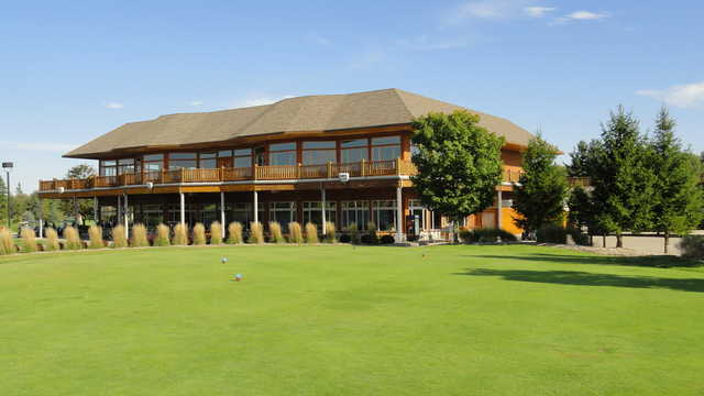 A view of the clubhouse at Solitude Links Golf Course & Banquet Center