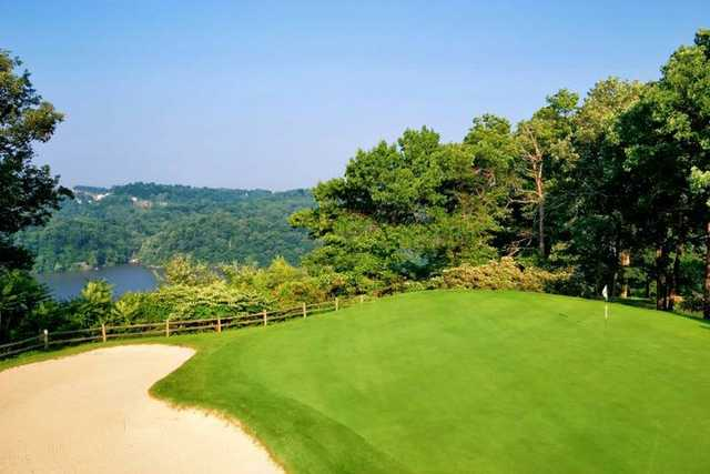 A view of a green at Lakeview Golf Course from Lakeview Golf Resort & Spa