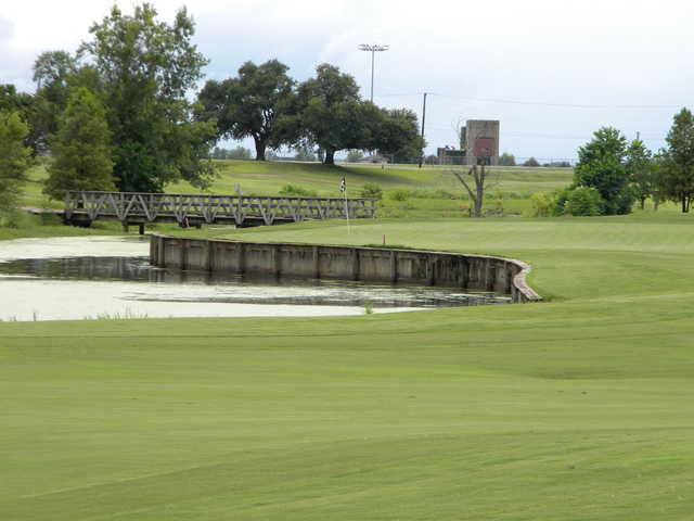 A view of the 7th green at Oakwing Golf Club
