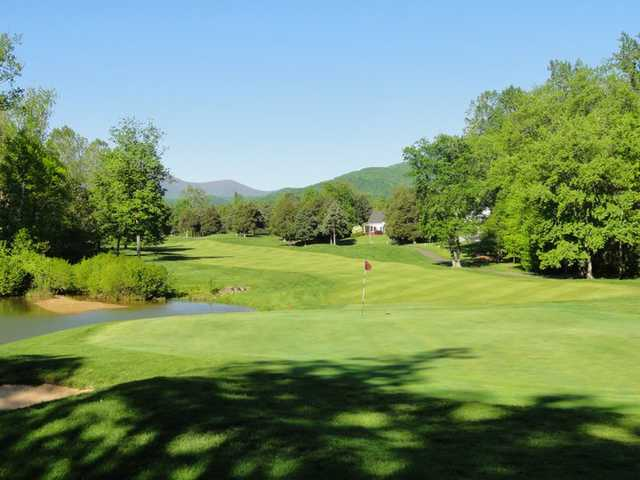 A view of a green at Stoney Creek from Wintergreen Resort