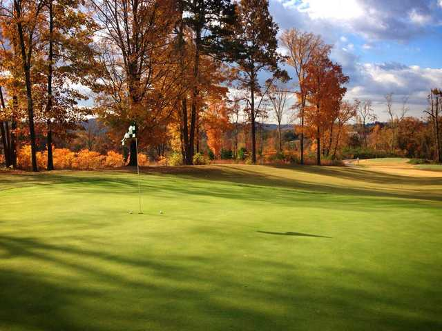 A fall view of a hole at Williams Creek Golf Course