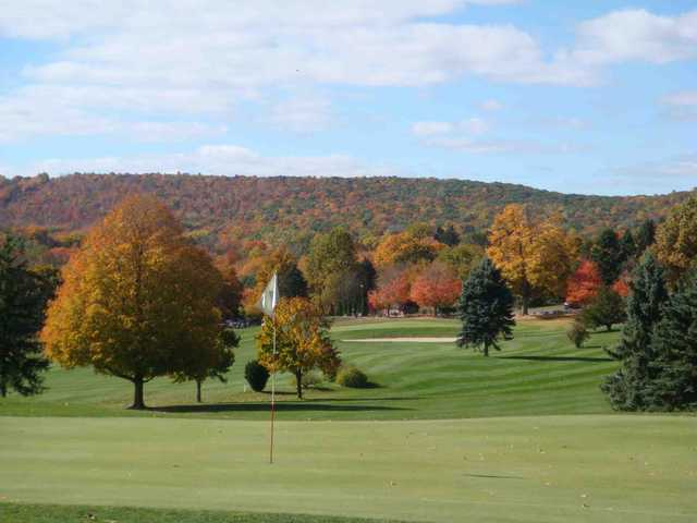A view of the 1st green at Indian Springs Golf Club