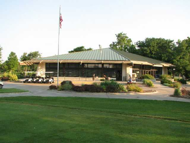 A view of the clubhouse at Carey Park Golf Course