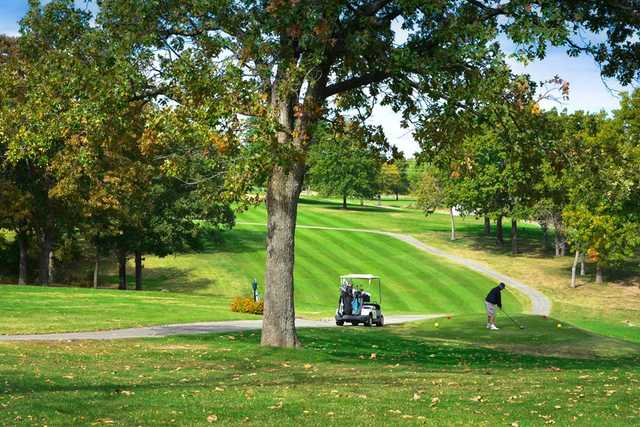 A view of a tee at Dogwood Hills Golf Resort