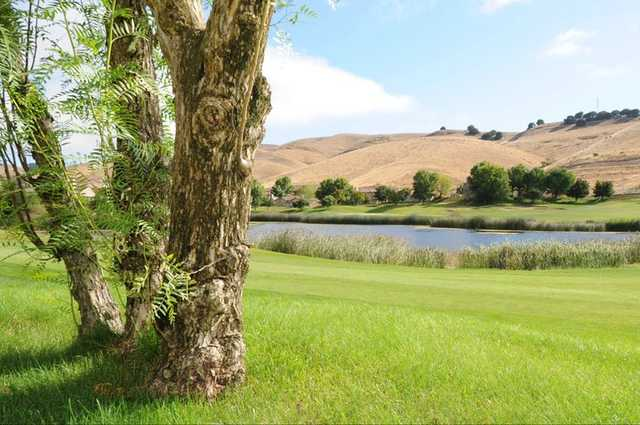A view of the lake on hole #5 at Hiddenbrooke Golf Club (Talbot Photography)
