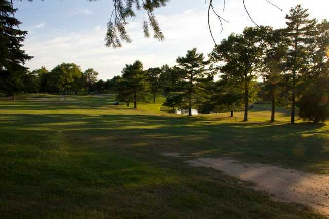 A view of a fairway at Lakeville Country Club (BarnOwl Photography)