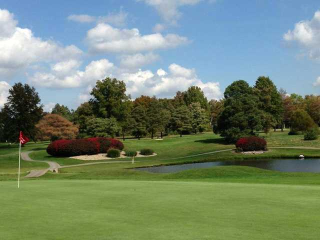 A view of a hole with narrow paths in background at Candywood Golf Club